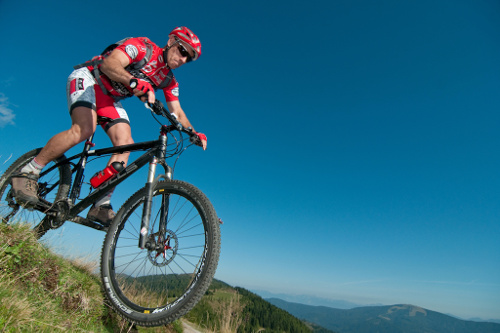 Cycling/mountain biking